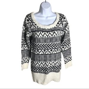 Ardene Black and White Patterned Sweater Size S